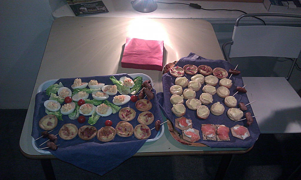 Canap s for 50 moorbakes for Canape trays uk